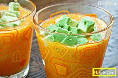 Жълто гаспачо с авокадо