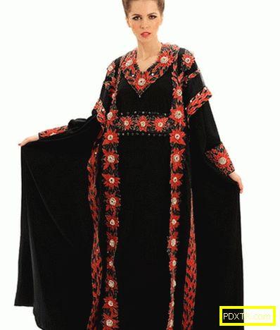 В дубай, пришити най-скъпата рокля в света за 17,6 милиона