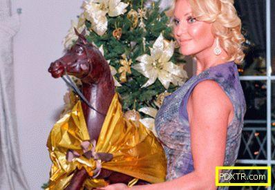 Синът на никита михалков представи волочкова с великолепни