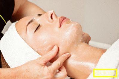 Кога трябва да прибягвам до козметичен масаж на лице?