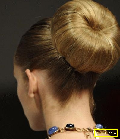 Прически с чанта: елегантността се връща в модата. кой се