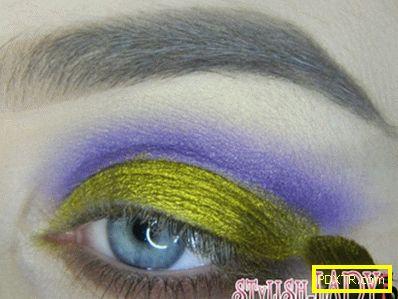 Моден грим с лилави сенки - идеи и майсторска класа от
