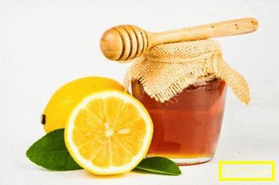 Мед с лимон в борбата срещу наднорменото тегло