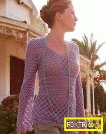 Нежна и женска туника за всички жени. с какво да го носите?