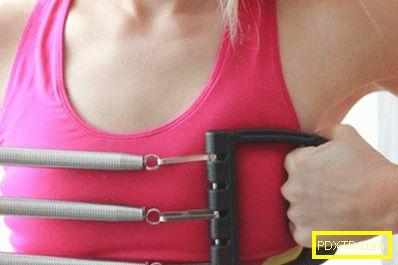 Упражнения за гръбначни мускули с разширител