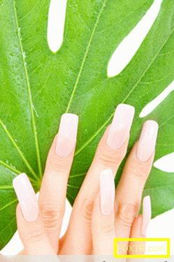 Колко бързо да расте красиви нокти у дома?